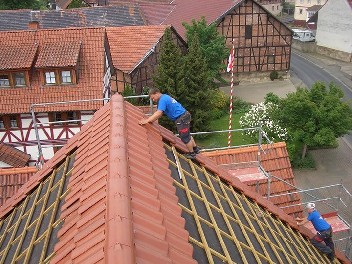 Teamwork bei Brede-Dach in Schauenburg